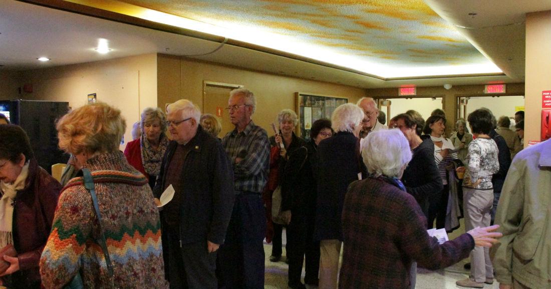 Fondation culturelle Jean-de-Brébeuf carrousel à propos Dans le hall d'entrée